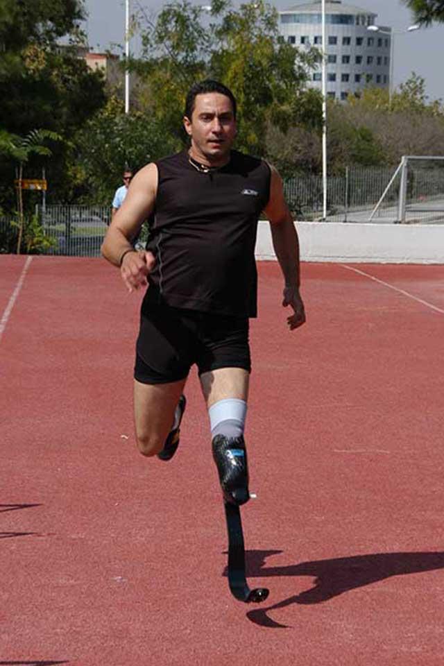 εξιδανικευμένα τεχνητά πόδια για αθλητικές δραστηριότητες